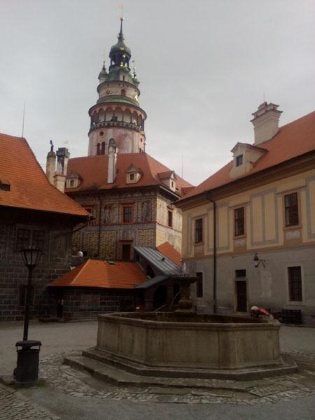 Втори вътрешен двор на замъка градчето Чески Крумлов