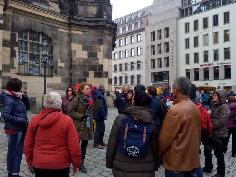 ... и за катедралата Фрауен Кирхе, възстановена чак след Обединението на Германия.