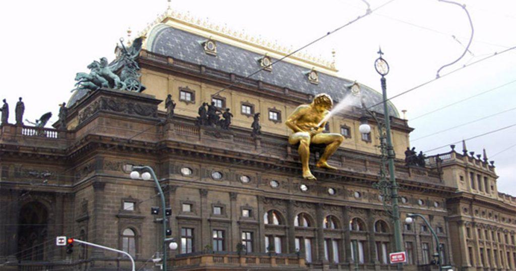 Топ 10 на най-странните фонтани по света 10