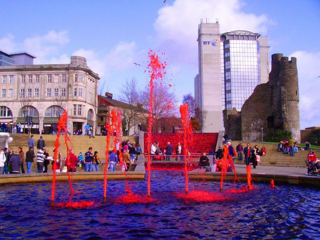 Топ 10 на най-странните фонтани по света 11