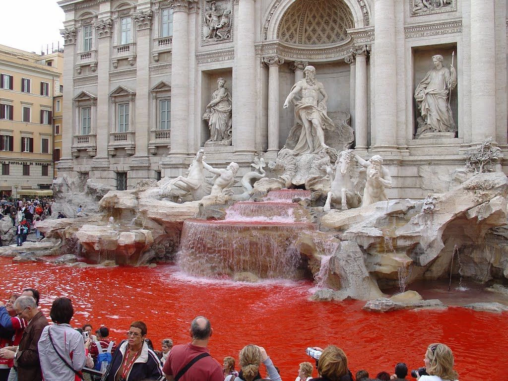 red fountain