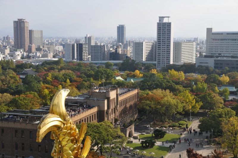 Поглед от замъка на Осака към града