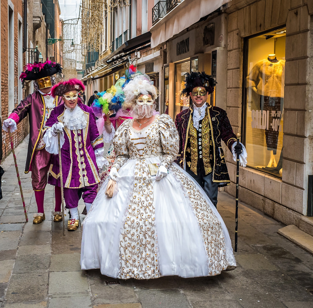 venice-carnival-party-costumed-ball