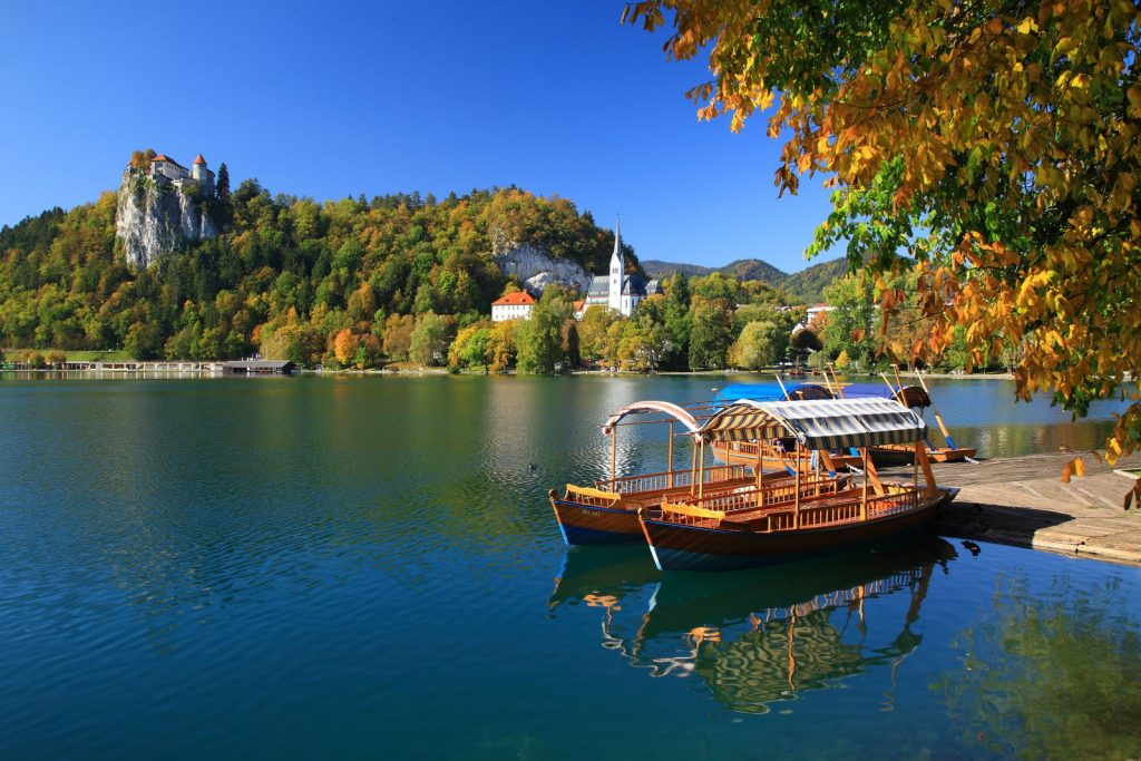 lake-bled-castle-autumn-002783