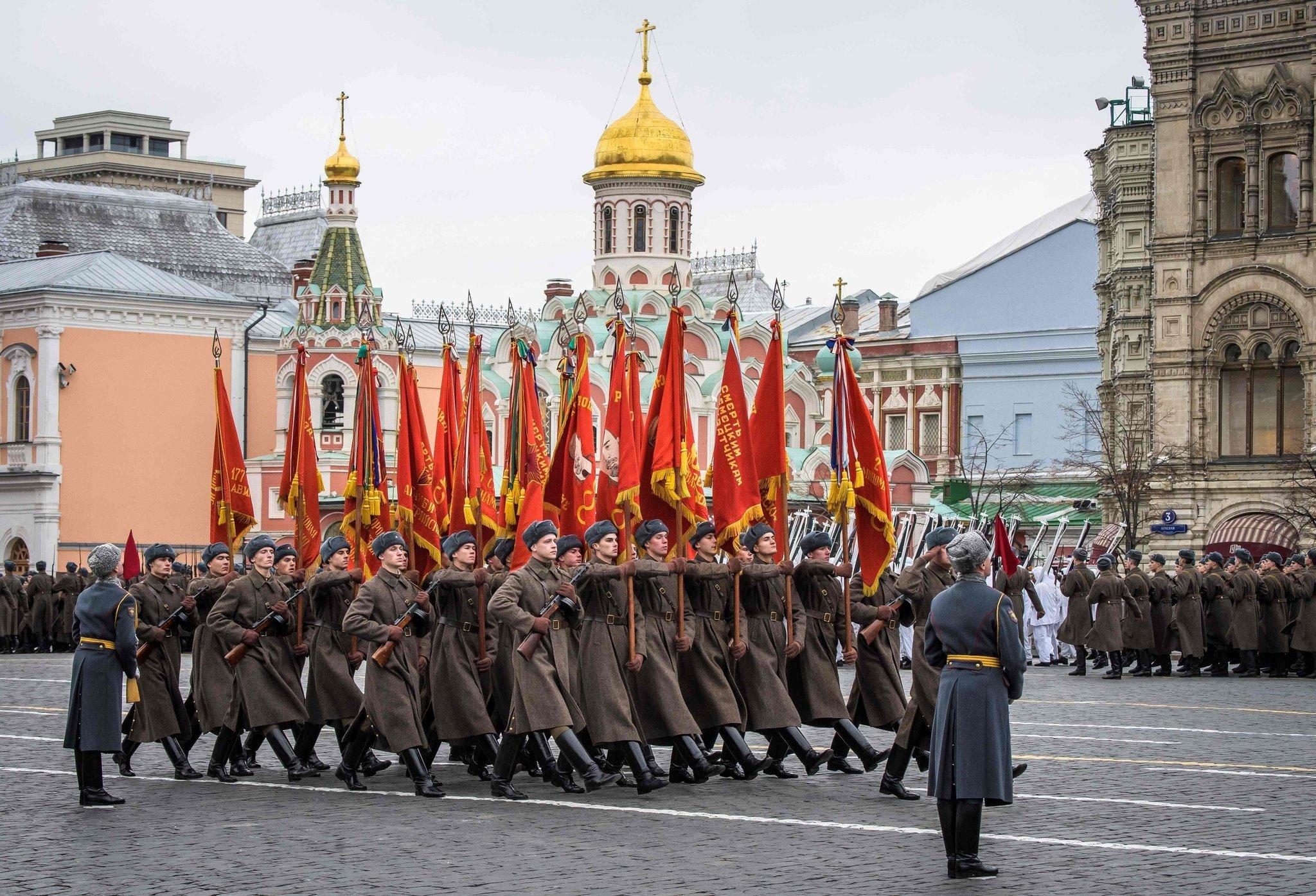 Парадът в Москва - грандиозен и незабравим - 1