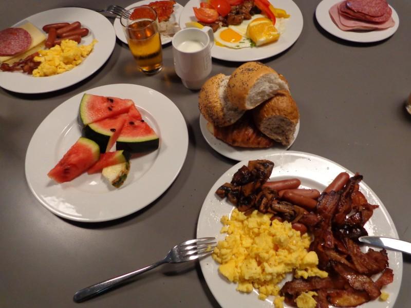 Дните ни започват с прочутата и изобилна скандинавска закуска