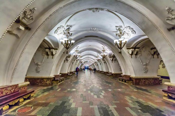 Най-зашеметяващите метростанции в Москва - 12