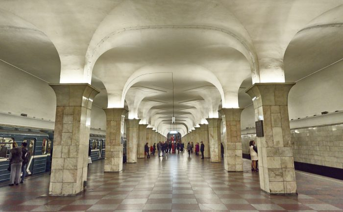Най-зашеметяващите метростанции в Москва - 13
