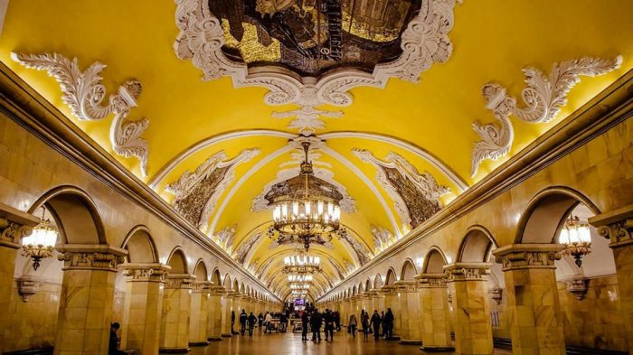 Най-зашеметяващите метростанции в Москва - 3