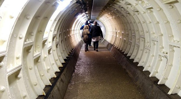 Пешеходният тунел Гринуич – под Темза, та чак до Шотландия