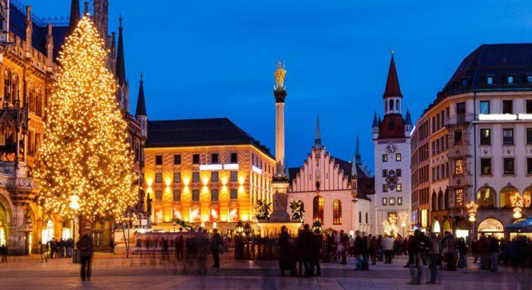 Коледните базари в Мюнхен – магия от вино и канела