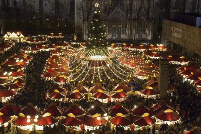 Коледните базари в Кьолн – вълшебна многолика Коледа 1