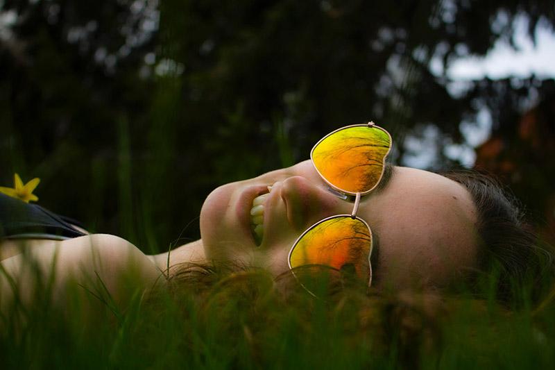 Модните тенденции за слънчеви очила на лято 2019 14