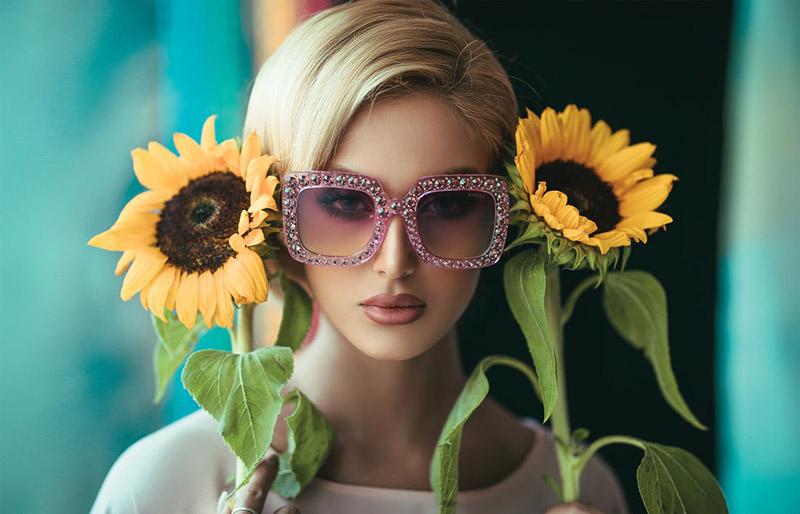 Модните тенденции за слънчеви очила на лято 2019 7