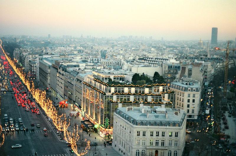 Как празнуват Нова Година в Париж? 5