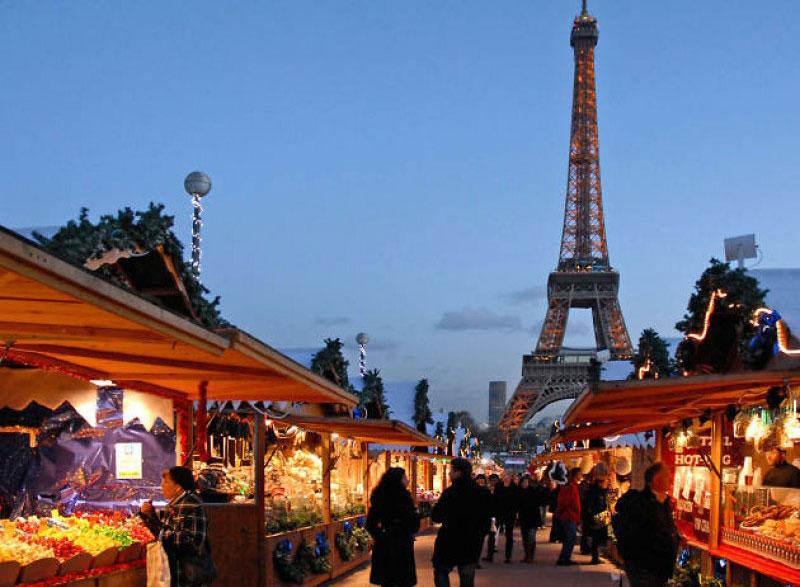 Как празнуват Нова Година в Париж? 3