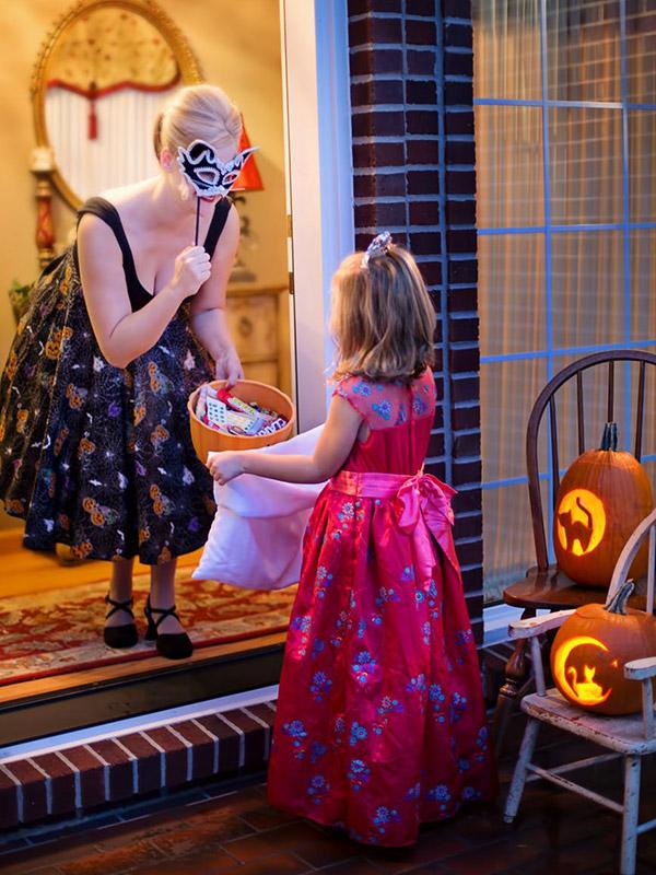 В навечерието на Хелоуин 4