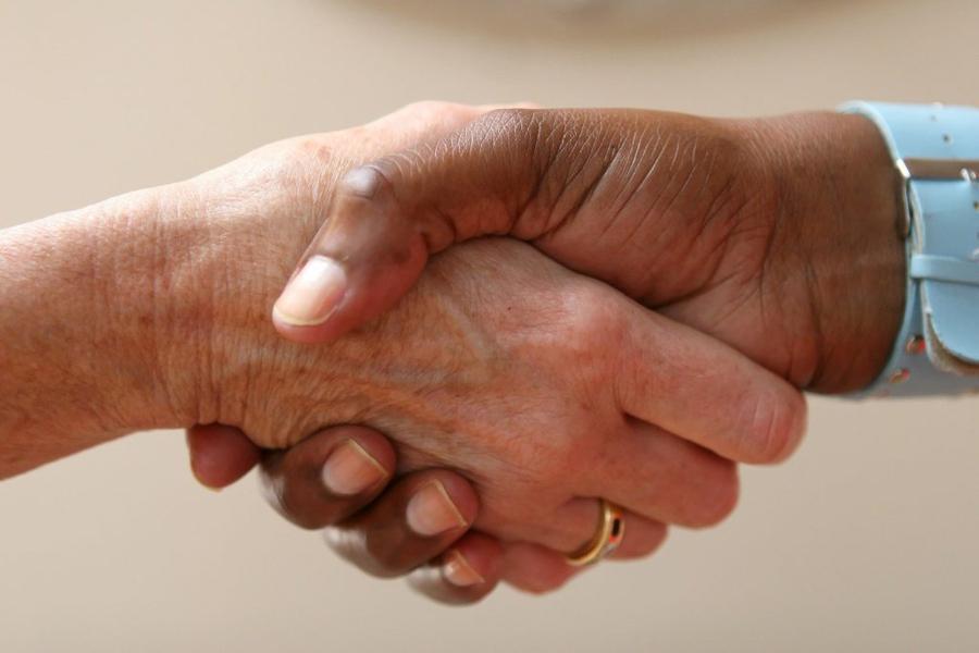 Да опознем културите: Езикът на жестовете 1