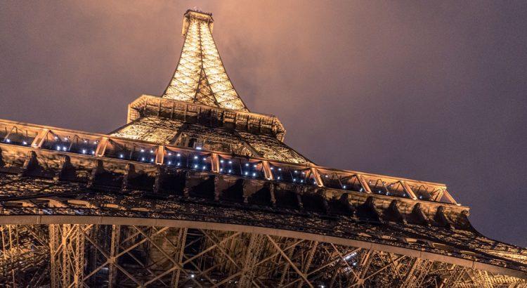 Айфеловата кула ще грейне в златна премяна за Олимпиадата през 2024 г.