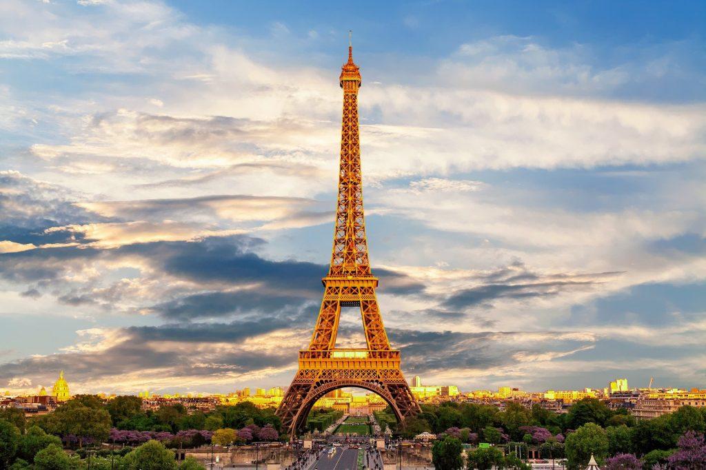 Айфеловата кула ще грейне в златна премяна за Олимпиадата през 2024 г. 1
