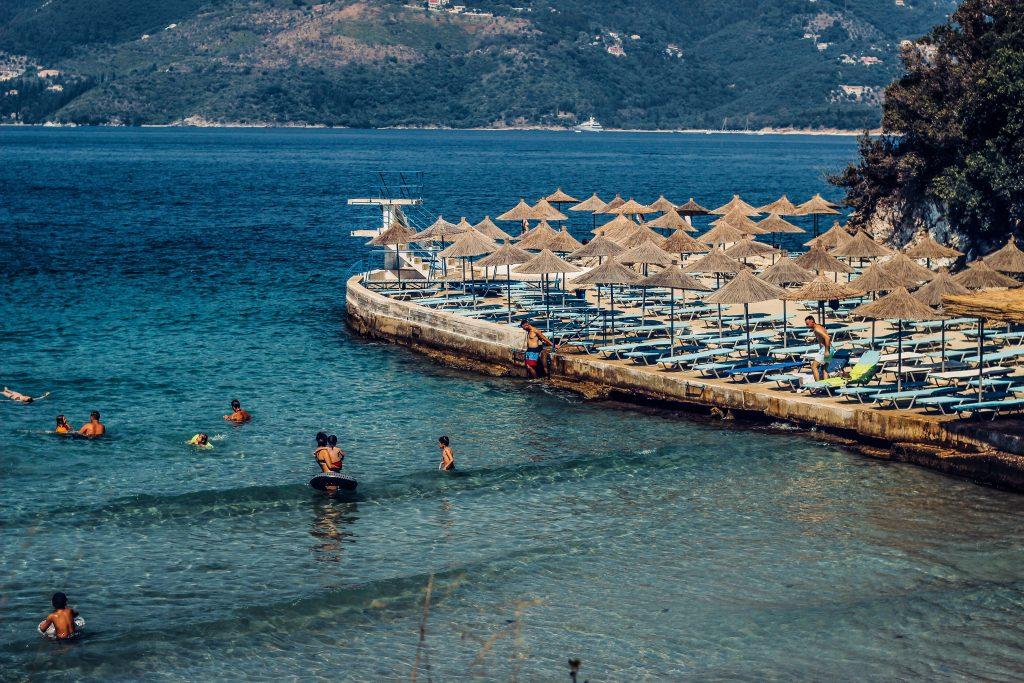 Без изискване за имунизационен паспорт при пътуване до Албания 1