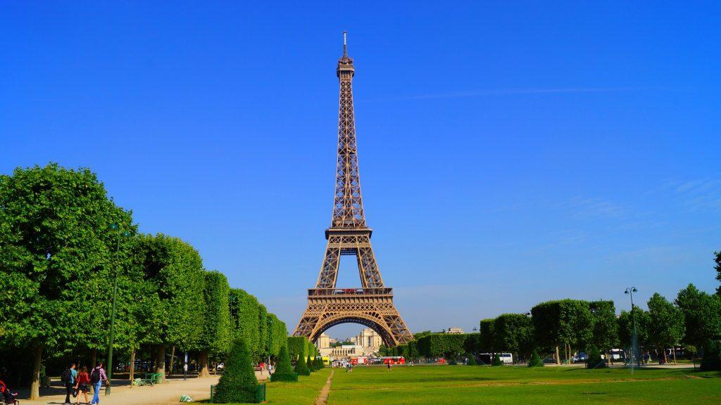 Айфеловата кула ще грейне в златна премяна за Олимпиадата през 2024 г. 2