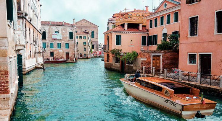 Каналите на Венеция пресъхват втори път за три години