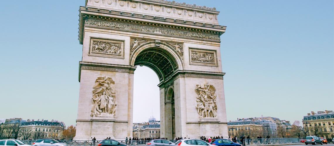 Опаковат Триумфалната арка в памет на Христо Явашев